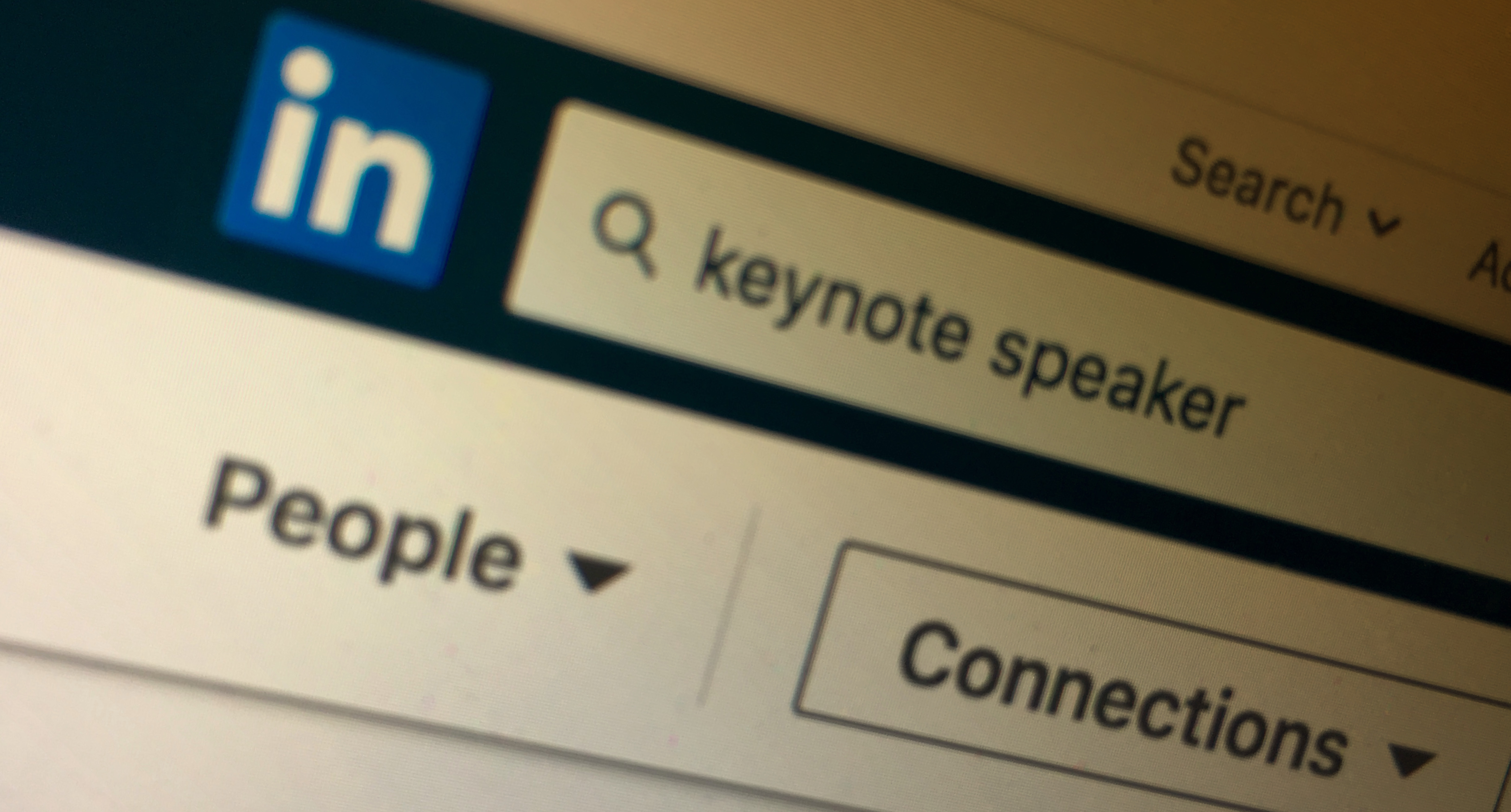 Keynote Speakers: Tips on browsing to find the Perfect Fit for Internal Events via Linkedin People Search.