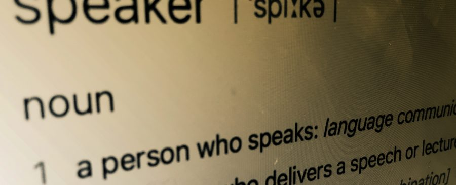 what is a keynote speaker speech